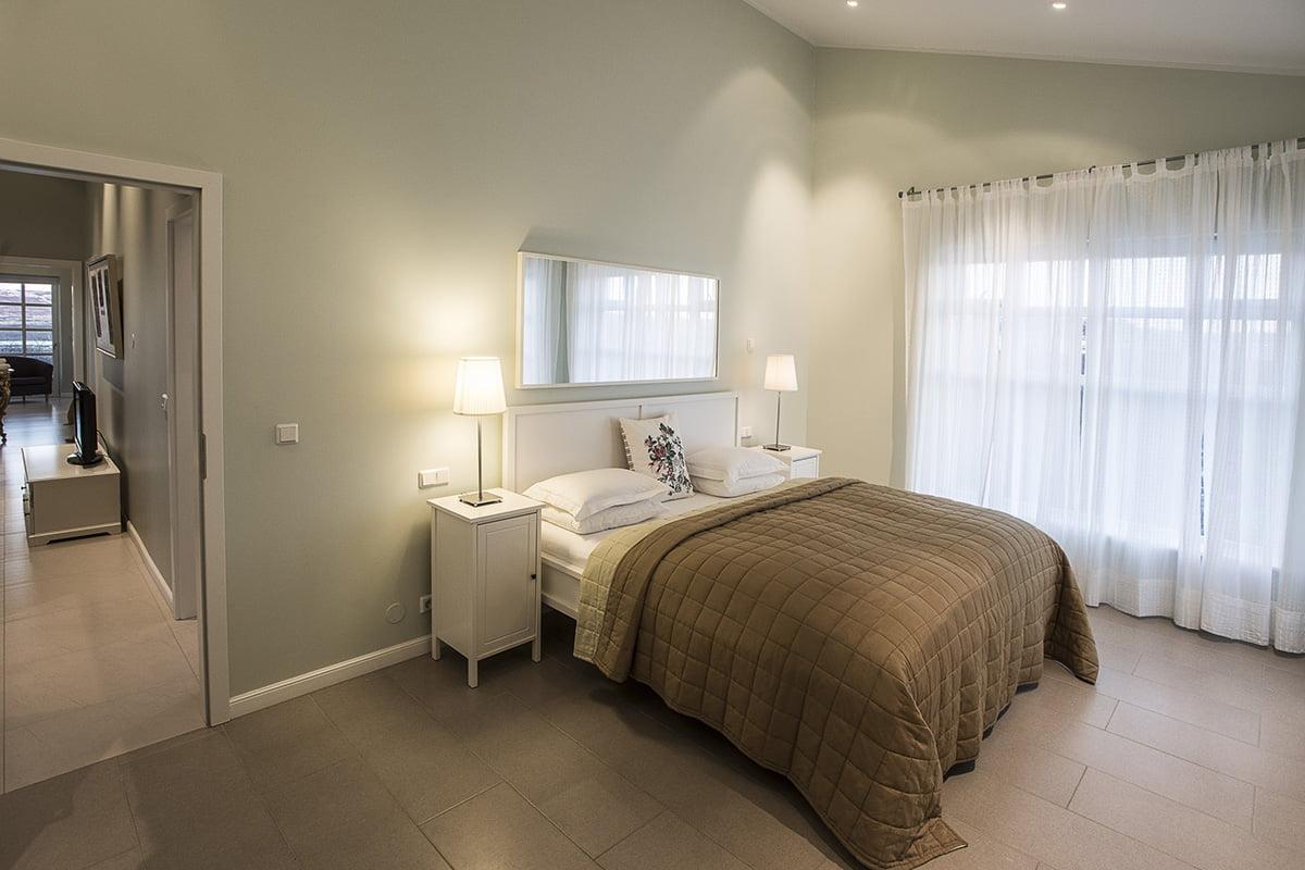 Deluxe-Apartment-1-1200x800PIX
