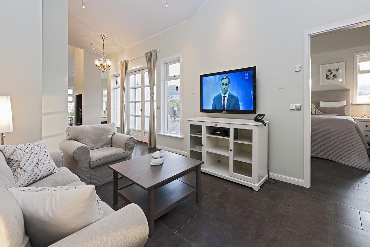Deluxe-Apartment-11-1200x800PIX