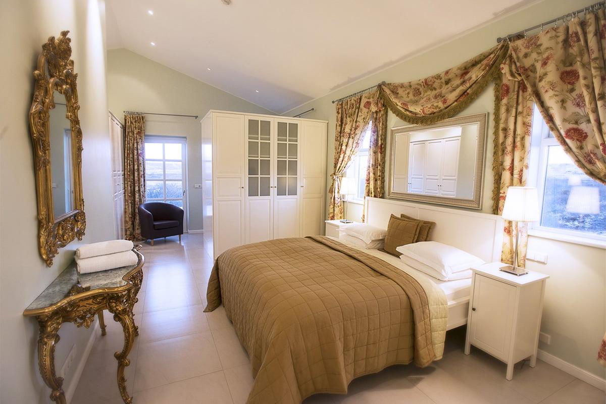 Deluxe-Apartment-14-1200x800PIX