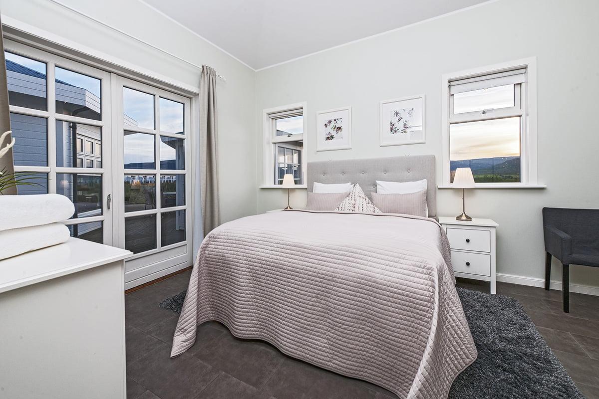 Deluxe-Apartment-9-1200x800PIX